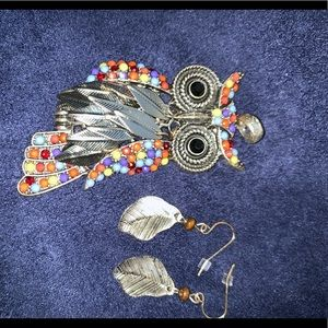 Jewelry - Beaded leaf owl pendant and earrings